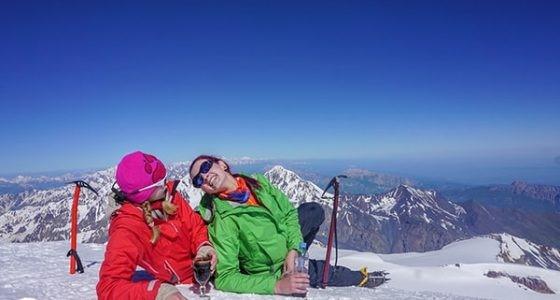 Альпинистки на вершине Казбека