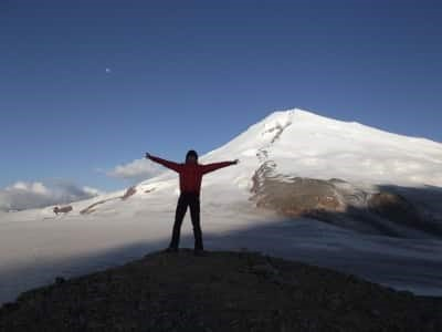 Альпинист на Эльбрусе