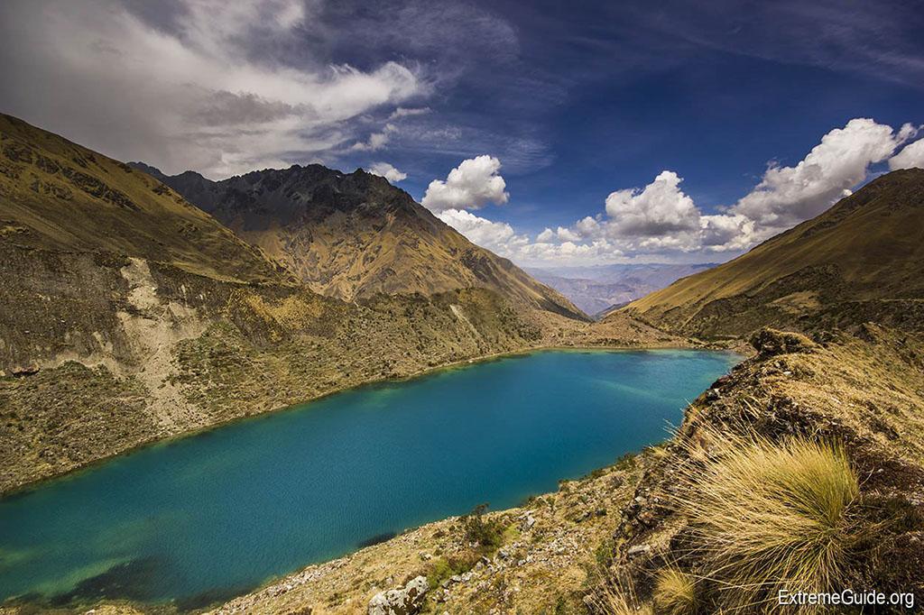 Озеро в горах Перу