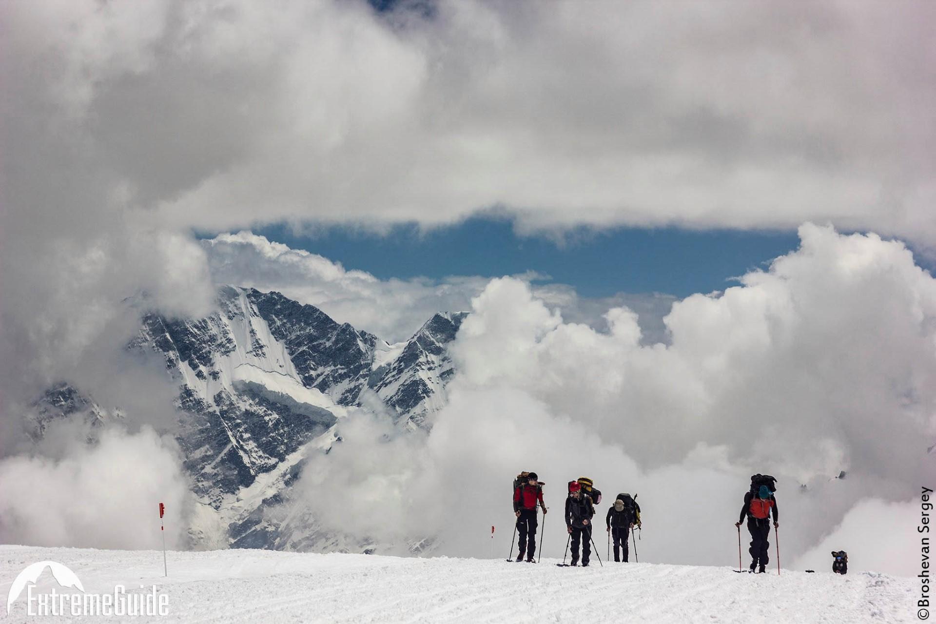 подъем на Эльбрус ледовые поля