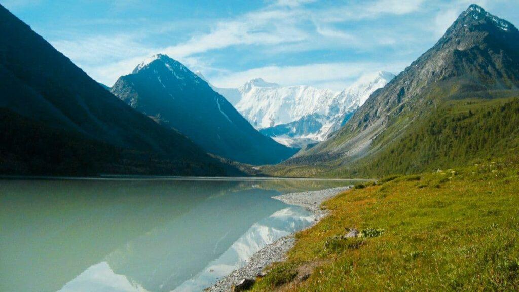 белуха аккемское озеро