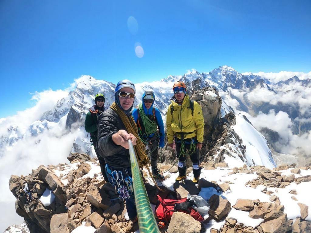 школа альпинизма безенги