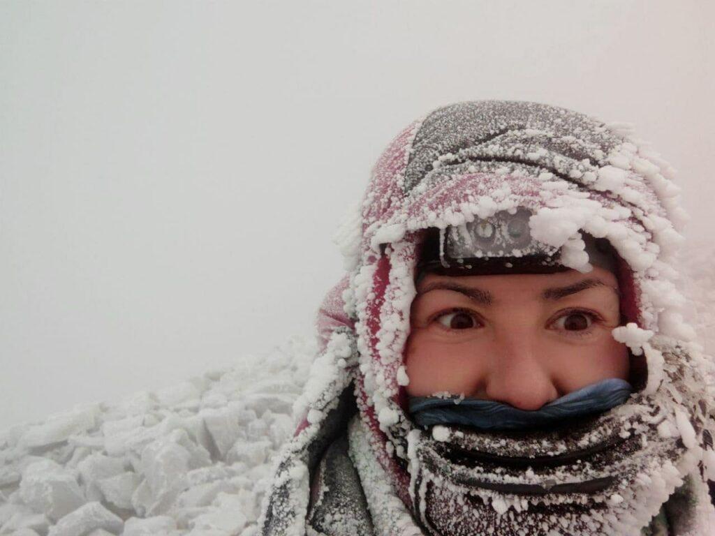 как не замерзнуть зимой в горах, одежда на зимний эльбрус